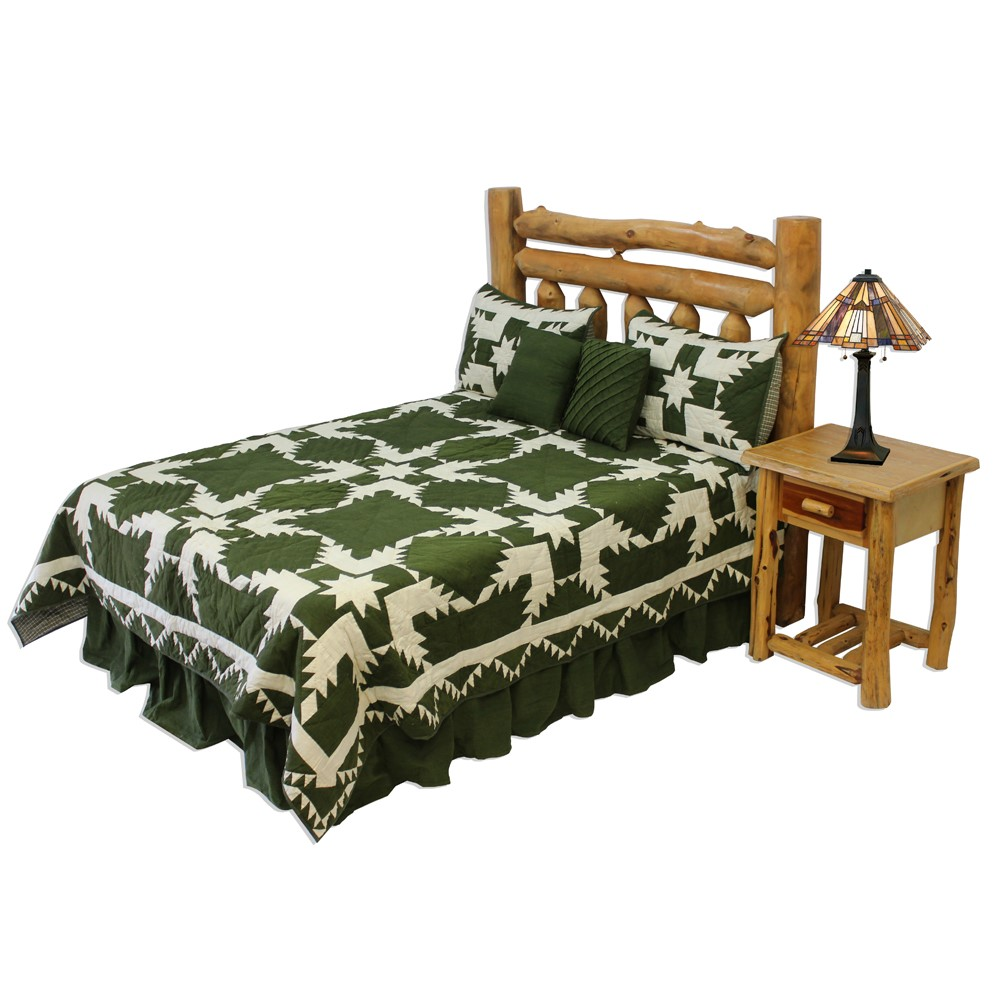 """Green Feathered Star Queen Quilt 92""""W x 96""""L"""